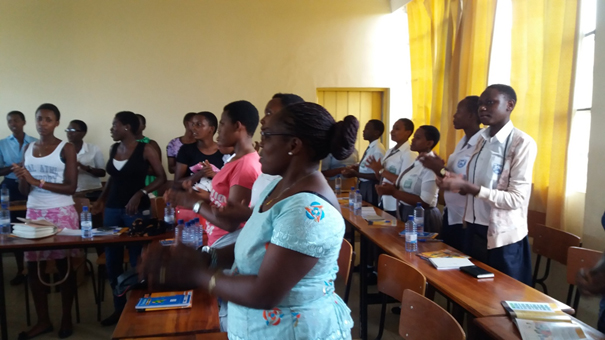 Training of peer educators on interpersonnal communication
